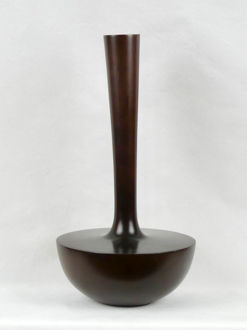 Grand vase en bois