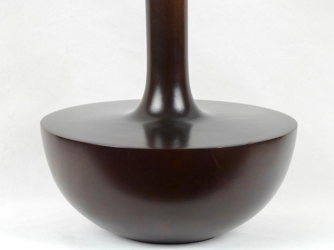 Grand vase en bois (détail)
