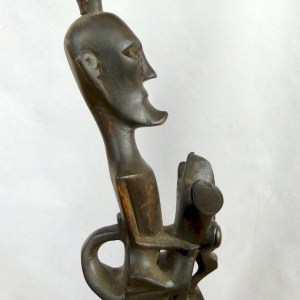 Guitare Batak (détail tête)
